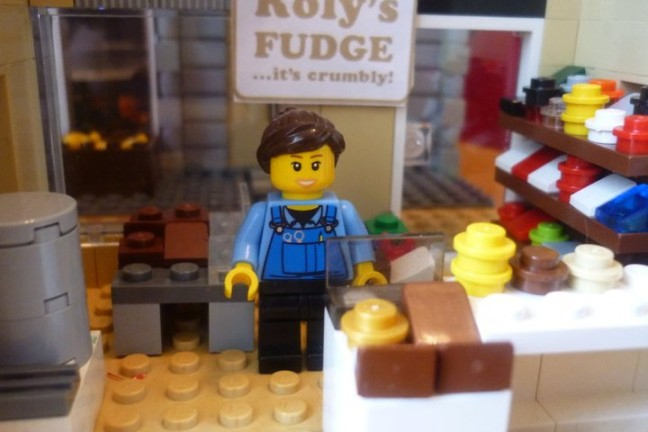 Roly's Fudge Chester - Lego