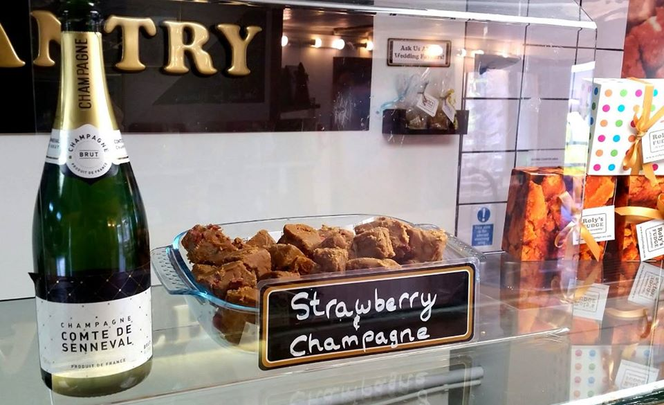 Fowey - Strawberry and Champagne