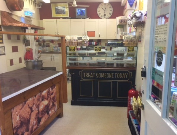 Roly's Fudge Barnstaple - inside