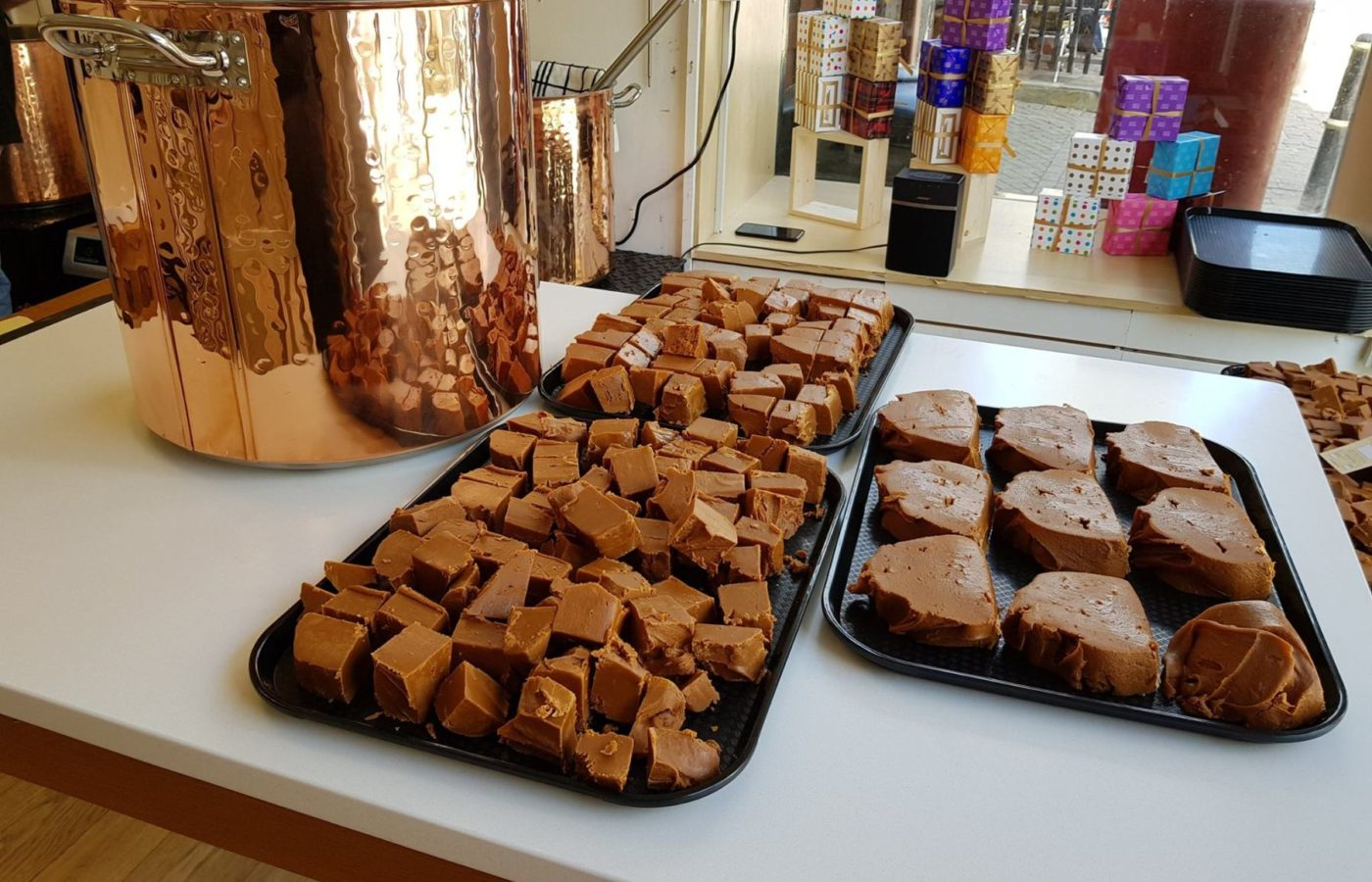 Roly's Fudge Looe