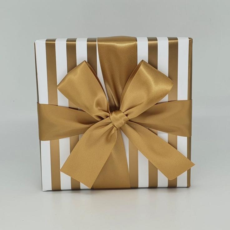 600g Gold Stripe Fudge Box